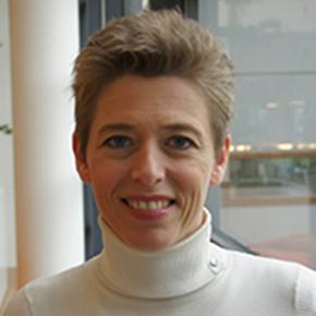 Dr.mr. Nienke Saanen