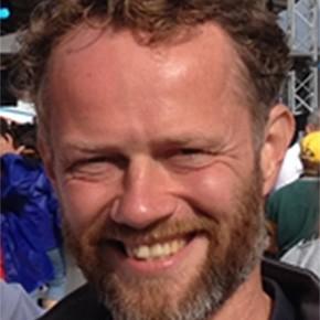 Dr. Tomas Klos