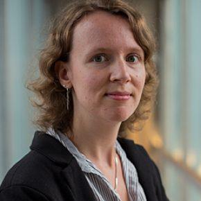 Anneke Zuiderwijk-van Eijk