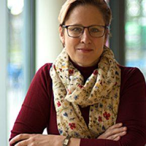 Dr. ir. Gillian Saunders-Smits