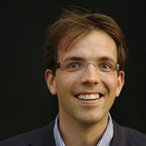 Dr. Victor Knoop